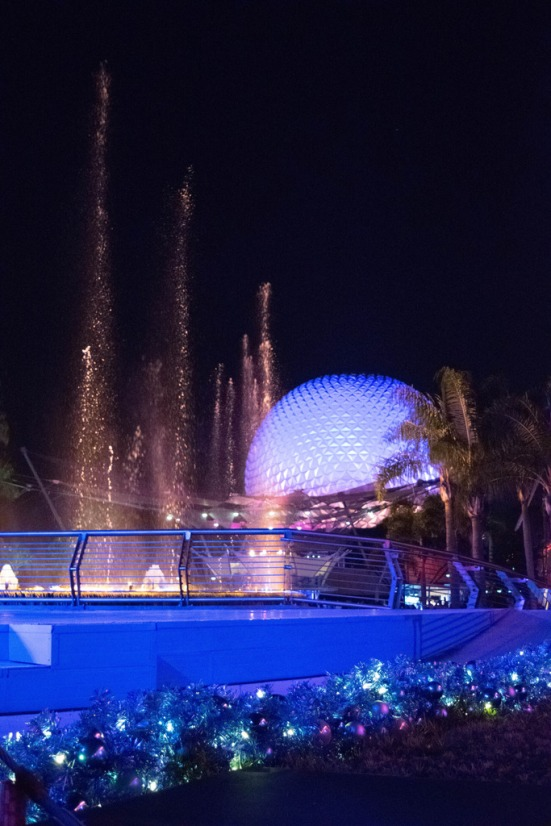 SpaceshipEarthFountain2